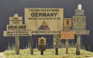 Reality in Scale Real Wooden Signs WWII - USA Set 1 - signs printed on real wood & 6 resin p