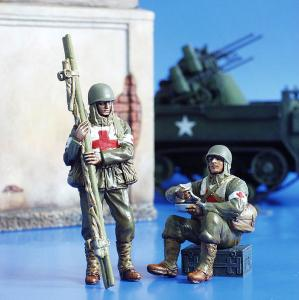 Plus Model U.S. Soldiers, WWII - Orderlies