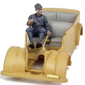 Bodi Italian driver, for 508 CM Coloniale WWII