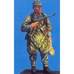 Nemrod German WW2 soldier w tent-poncho
