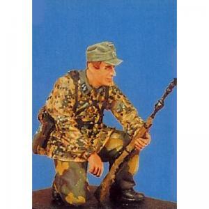 Nemrod German WW2 soldier w grenade-rifle