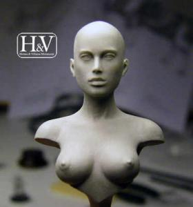 Heroes & Villains Anathomic Bust Female 1/12