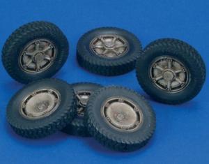 "Royal Model Autoblinda AB41 ""Artiglio wheels"""