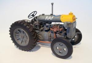 Plus Model Fordson N Big