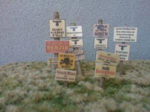 Reality in Scale Wooden Signs WWII - Germany Set 2 - 21 signs printed on real wood & 6 resin