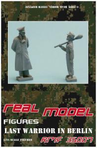 Real Model Last Warrior in Berlin